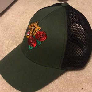 Army green SnapBack with mesh back and embroidery